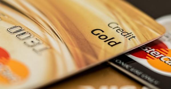 6.カードローンやクレジットカードを作っておく